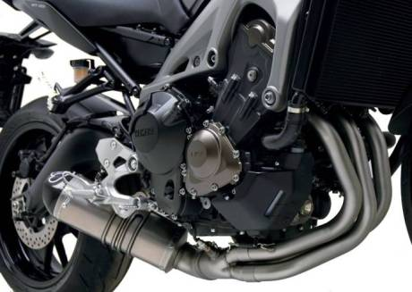 yamaha MT09 with Termignoni_System_Relevance_Titanium