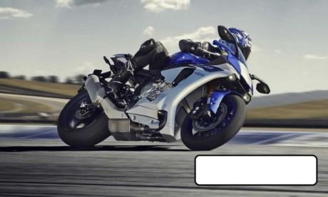 2015-Yamaha-YZF-R1-leak-01
