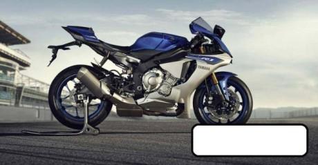 2015-Yamaha-YZF-R1-leak-02