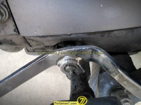 Atasi Tuas Perseneling honda Megapro Oblak dengan kabel kopling vespa 14