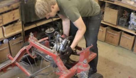 bajaj 3 roda pakai mesin cbr600 wheelie 2