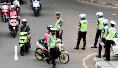 ban cacing ditilang polisi