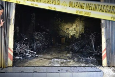 Dealer Putra Aries Motor Blitar Terbakar 34 motor hangus 1