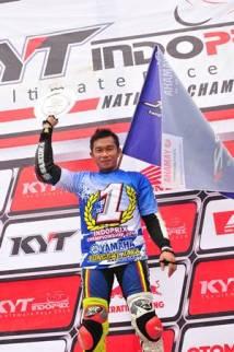Fitriansyah Kete double winner Indoprix 2014 di atas podium (2)