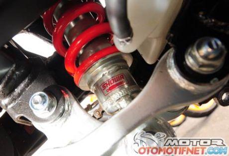Honda-CBR150R-Race4