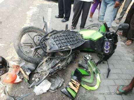Kecelakaan lalu lintas di Prambanan klaten 1 meninggal dunia sepeda motor dilindas truk 1