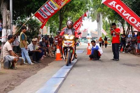 Kobarkan Semangat Pemuda Astra Motor Yogyakarta Gelar Honda Fiesta 2014 6