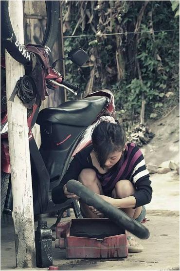 Nanik Cewek Cantik Penambal ban di Malang sudah menikah 1