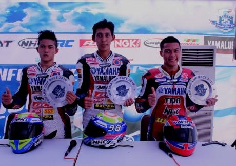 Press Conference trio podium Yamaha Cup Race 2014 kelas YCR 1 Seri 1 Purwokerto (kiri ke kanan Syahrul Amin - Fedri Efendi - Rizaludin Sidqy)
