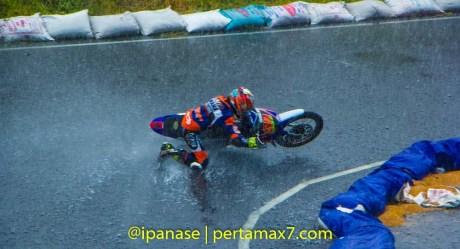 Yamaha Cup Race 2014 diguyur Hujan banyak kecelakaan_-2