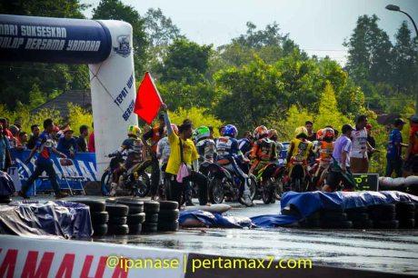 Yamaha Cup Race 2014 diguyur Hujan banyak kecelakaan_-4