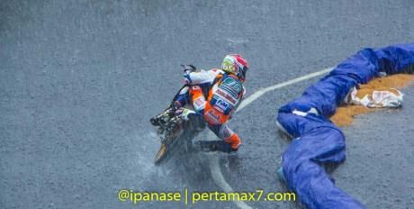 Yamaha Cup Race 2014 diguyur Hujan banyak kecelakaan_