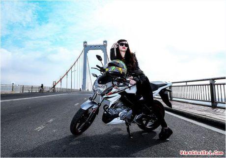 Yamaha New FZ150i with Vietnam Girls 5