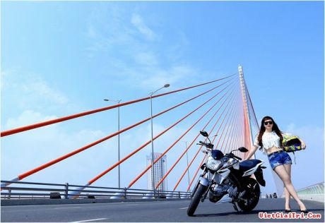 Yamaha New FZ150i with Vietnam Girls 7