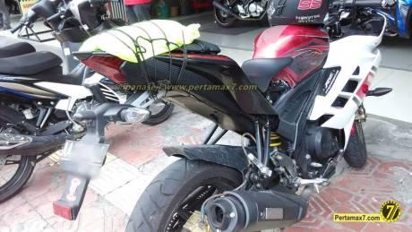 Yamaha Vixion Berjubah R15 pakai buntut R25 1