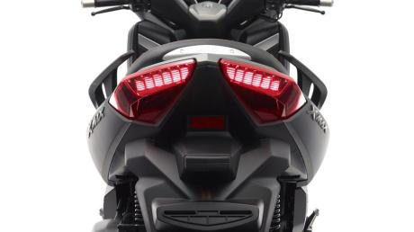 2015-Yamaha-X-MAX-250-ABS-EU-Matt-Grey-Detail-011