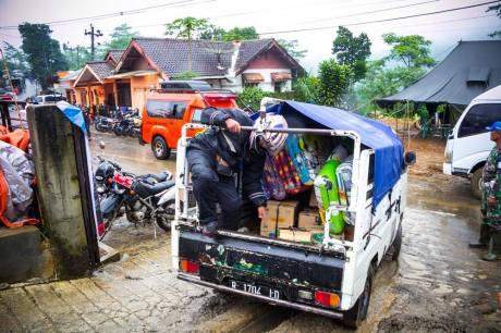 Baksos Blogger Koboys Peduli bencana tanah longsor Banjarnegara 2014 pertamax7.com22