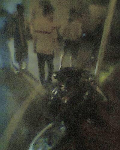 bocah naik motor bodong bonceng bertiga tanpa lampu tabrak mobil di jogja