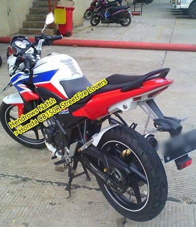 Honda CB150R pakai spakbor Yamaha r15 0