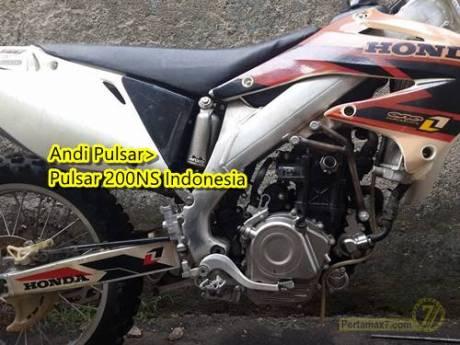 Honda CRF dipasang Mesin Pulsar 200NS 4