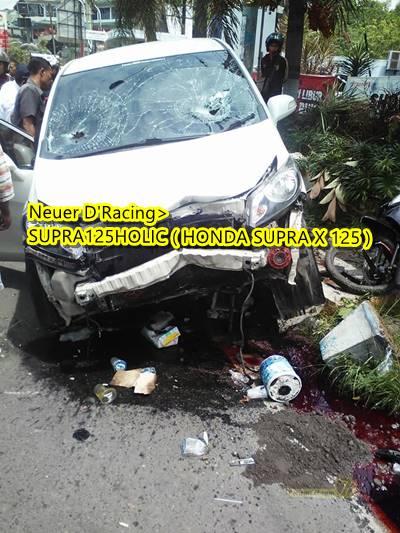 Honda freed Tabrak 2 motor di Semarang 2