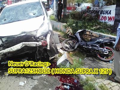 Honda freed Tabrak 2 motor di Semarang 4
