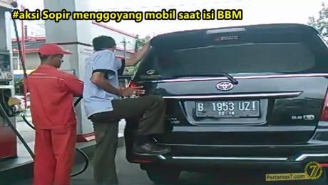 menggoyang mobil saat isi BBM