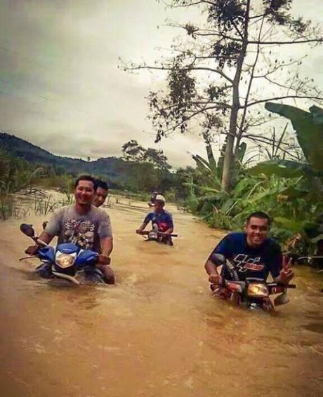 motor bebek buat renang di malaysia