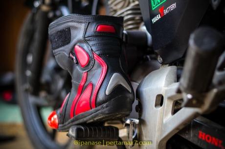 Nyoba Sepatu Riding 7gear SportMax Red_-14
