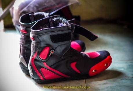 Nyoba Sepatu Riding 7gear SportMax Red_-3