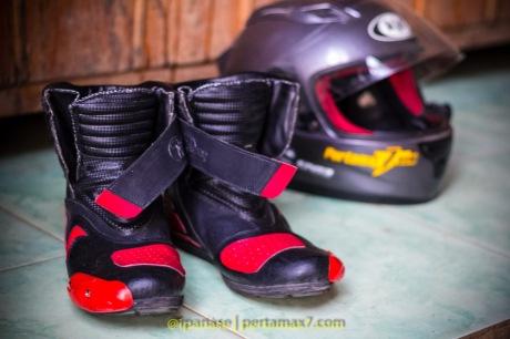 Nyoba Sepatu Riding 7gear SportMax Red_-8