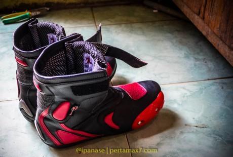Nyoba Sepatu Riding 7gear SportMax Red_