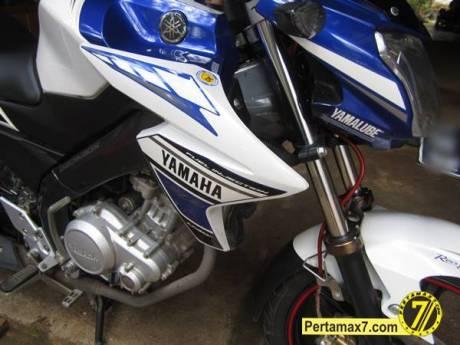 Pasang COver Radiator Yamaha New Vixion Lightning 10