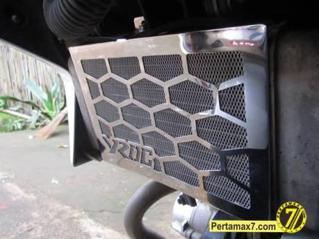 Pasang COver Radiator Yamaha New Vixion Lightning 7