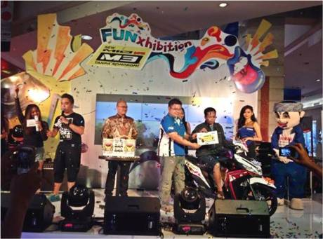 Pemenang 1 unit Mio M3 125 dalam rangkaian launching di Bandung