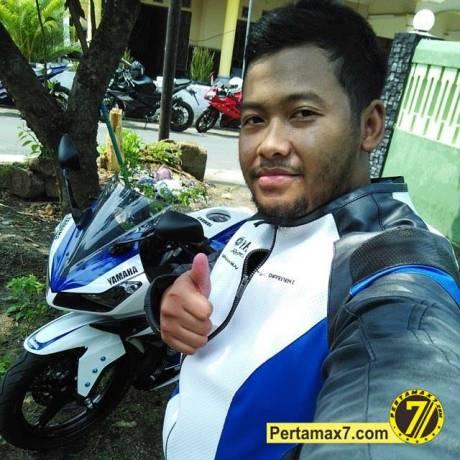 pertamax7.com nyoba jaket ekslusif yamaha R15