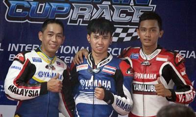 Podium Race 2 MT Yamaha Asean Cup Race 2014 kiri ke kanan  - Mohammad Affendi Bin Rosli - Peerapong Luiboonpeng - Anggi Setiawan