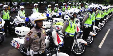 ujicoba pelarangan sepeda motor melintas di jalan mh thamrin 1