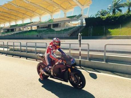 casey-stoner-sepang-test-january-2015-hrc 004