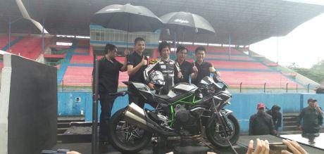 Launching Kawasaki Ninja H2 sentul Indonesia 2