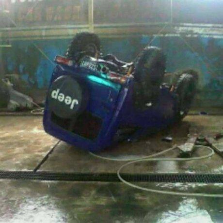 Mobil terjatuh dari Cuci Hidrolis  pertamax7.com 1