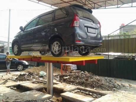 Mobil terjatuh dari Cuci Hidrolis  pertamax7.com 3