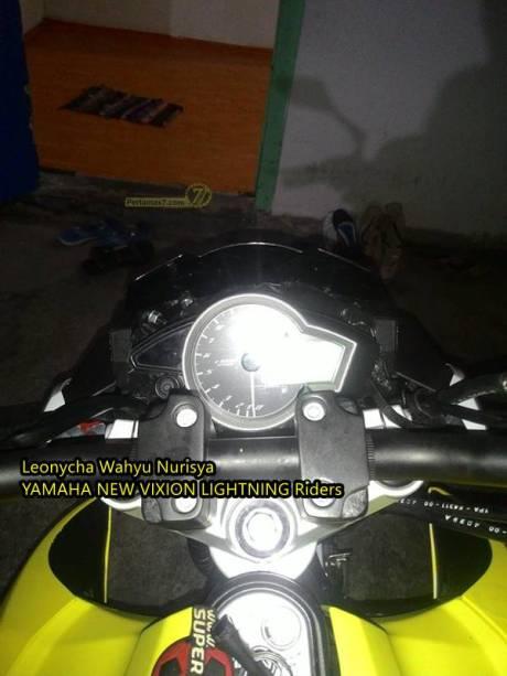 Modifikasi Yamaha New Vixion Pakai headlamp kawasaki Z250 replika Madiun 12