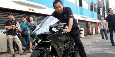pemilik toko online beli tunai kawasaki ninja H2 Indonesia