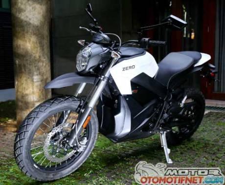 test-ride-Zero-DS-motor-listrik-06