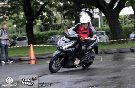 Testride Honda Vario 150 eSP 2015 B7XbOhECUAAxkKp