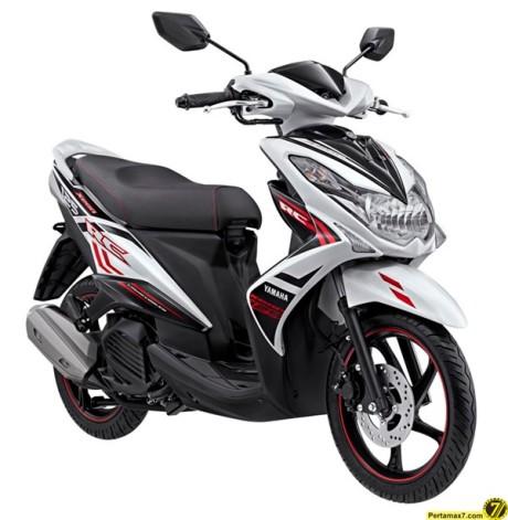 Yamaha Xeon RC Velocity White 2015