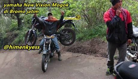 yamaha new vixion mogok di gendong honda GL di gunung Bromo