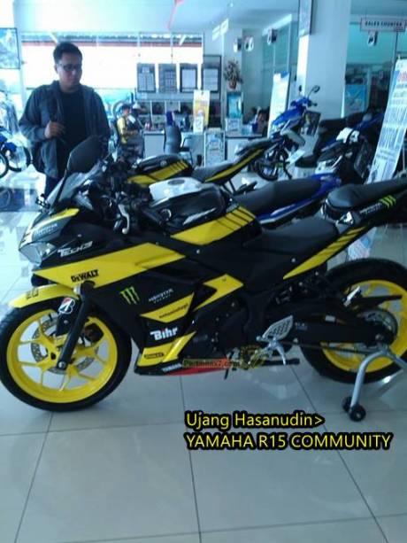Yamaha R25 livery Tech3 motogp 3