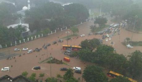 Banjir Jakarta Lumpuhkan Pabrik Daihatsu dan Toyota Indonesia 002 pertamax7.com